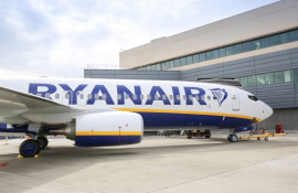 Ryanair Celebrate Delivery of Airline's 450th Next-Generation 737-800 Boeing Aircraft