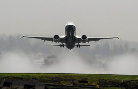 Boeing 737 MAX 8 Earns FAA Certification